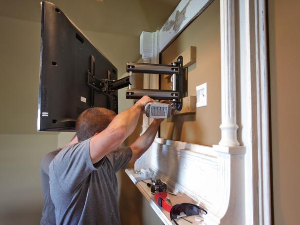 Как закрепить телевизор на стене своими руками